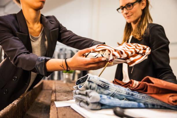 <ins>Confezione tre calze unisex</ins>: <mark>Acquista</mark> con i prezzi piú ribassati da dove preferisci