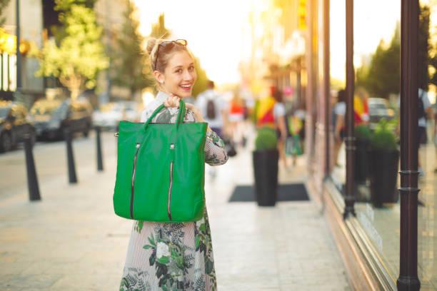 <em>Maglioni e cardigan</em> in vendita online a un prezzo incredibile
