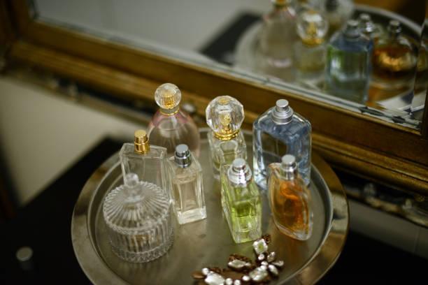 <em>Smalto Gloss® Effetto Gel di Collistar</em> in vendita in linea al miglior prezzo