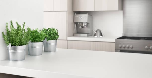<u>Acquista</u> on-line <strong>Set di pentole AmazonBasics per cucina</strong> con la migliore offerta da casa
