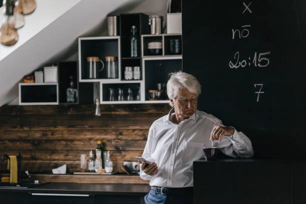 <em>Pentole per stufati e brasati Russell Hobbs per cucina</em> in vendita online a prezzo di super offerta