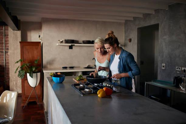 <ins>Acquista</ins> <em>Pentole per pasta da Smalto per cucina</em> su Internet con la migliore offerta